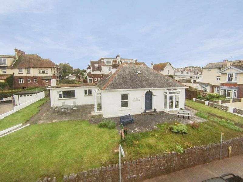 3 Bedrooms Bungalow for sale in CLIFF ROAD, ROUNDHAM, PAIGNTON.