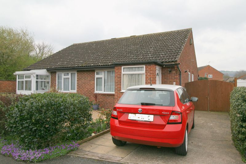 2 Bedrooms Bungalow for sale in A TWO BEDROOM SEMI-DETACHED BUNGALOW IN A POPULAR CUL-DE-SAC SETTING