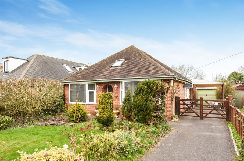 2 Bedrooms Detached Bungalow for sale in Foxborough Road, Radley