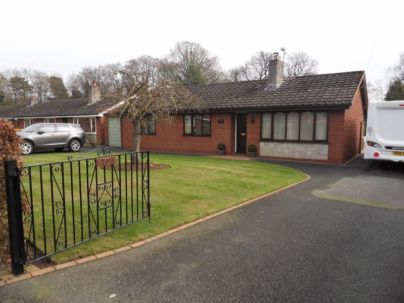 3 Bedrooms Detached Bungalow for sale in Twemlows Avenue, Whitchurch