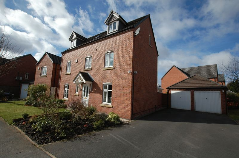 4 Bedrooms Detached House for sale in Williams Street, Bolton