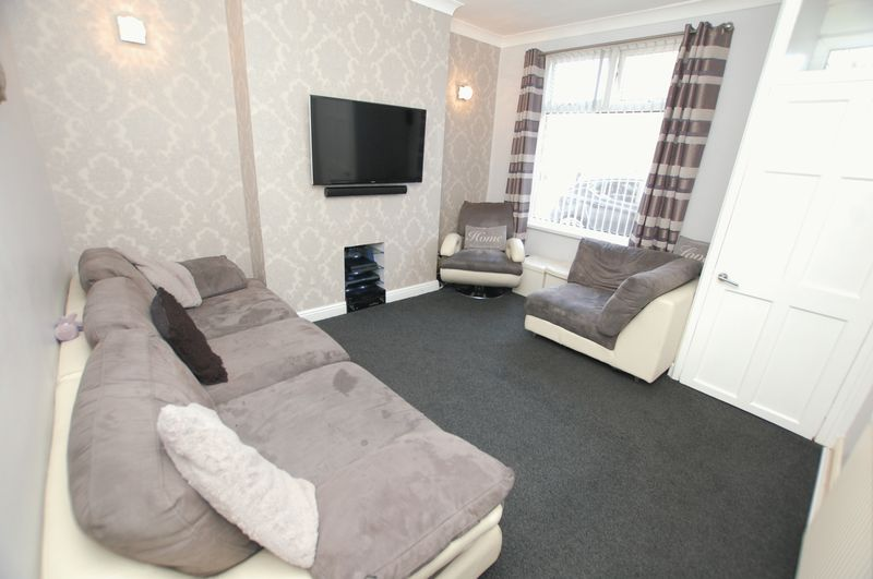 2 Bedrooms Terraced House for sale in Moorfield Grove, Bolton