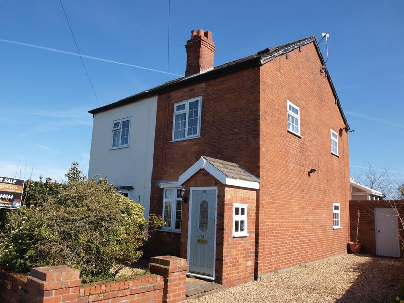 2 Bedrooms Semi Detached House for sale in Fryer Road, Lostock Gralam, CW9 7QF