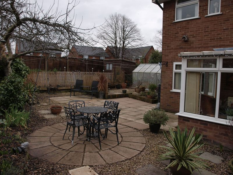 3 Bedrooms Semi Detached House for sale in Aitchison Road, Northwich, CW9 7PB