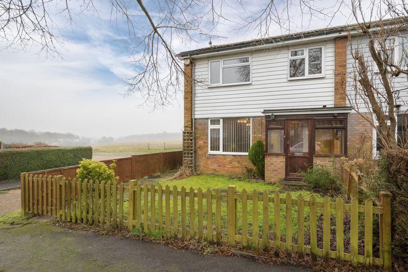 3 Bedrooms Terraced House for sale in West Dene, Hemel Hempstead