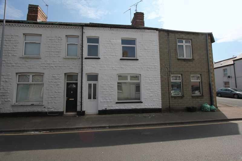 3 Bedrooms Terraced House for sale in Barry Road, Barry