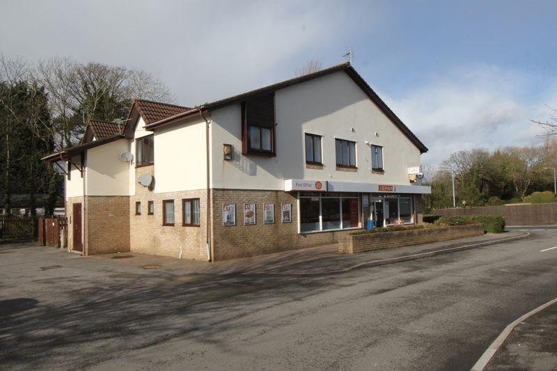 2 Bedrooms Flat for sale in Brockhill Way, Penarth