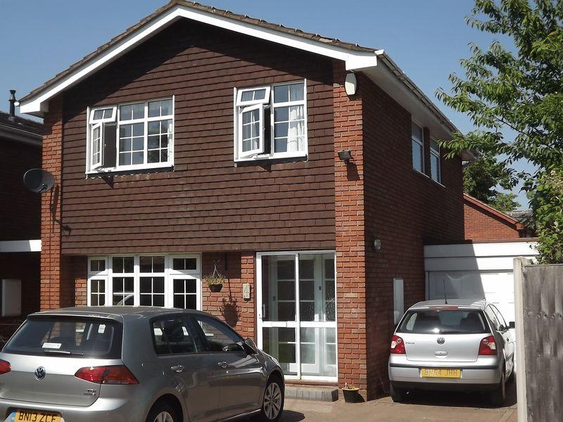 Dove Close, Wednesbury, WS10