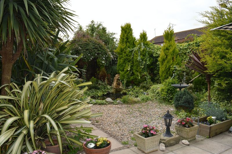 3 Bedrooms Terraced House for sale in Rockall, Southend-On-Sea