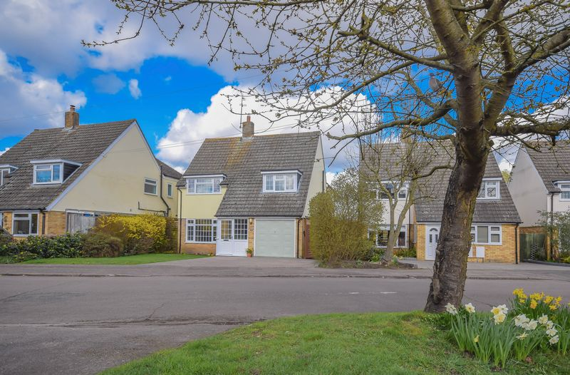 4 Bedrooms Detached House for sale in Lammas Road, Watton at Stone