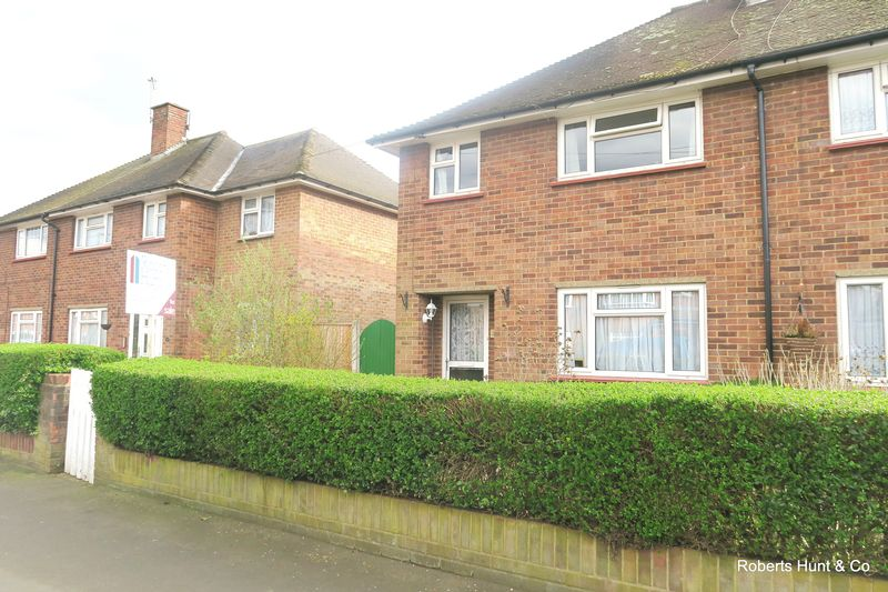 2 Bedrooms Semi Detached House for sale in Beech Road, Bedfont