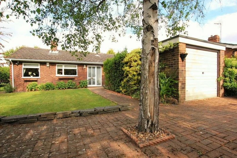 3 Bedrooms Detached Bungalow for sale in Constable Road, Norwich