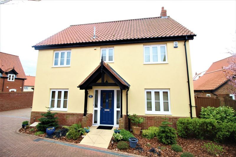 4 Bedrooms Detached House for sale in Wheeler Crescent, Norwich