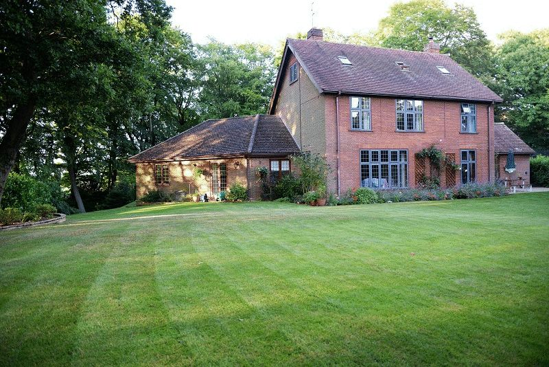 5 Bedrooms Detached House for sale in Folgate Lane, Old Costessey, Norwich