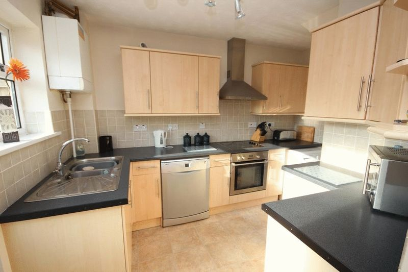3 Bedrooms Detached House for sale in Chestnut Avenue, Norwich