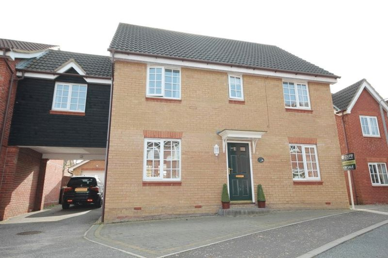 6 Bedrooms Detached House for sale in Cornet Close, Norwich