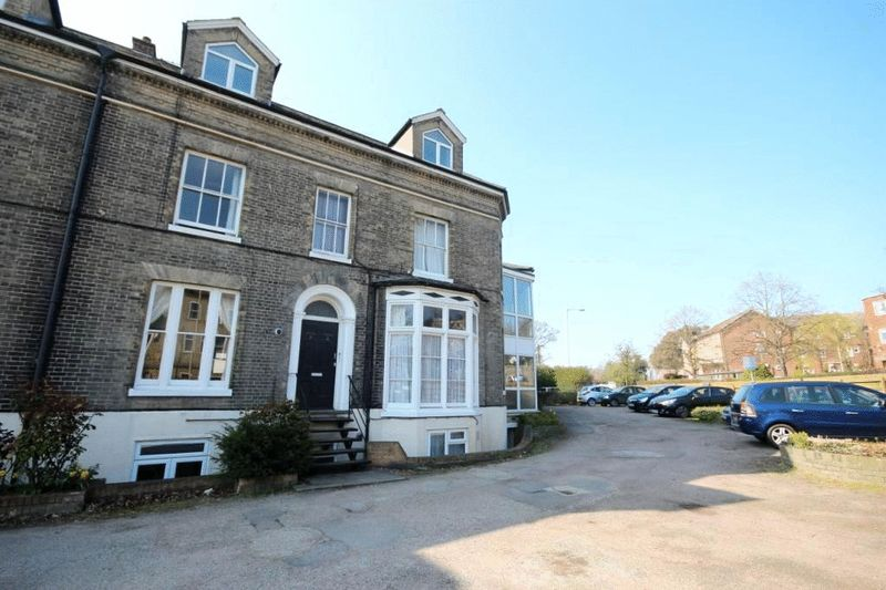 2 Bedrooms Flat for sale in Clarence Road, Norwich