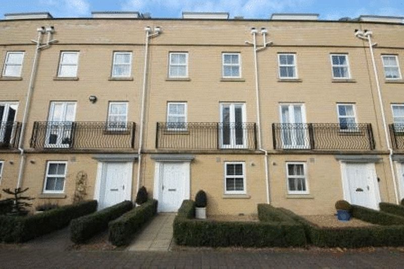 5 Bedrooms Terraced House for sale in Phillipa Flowerday Plain, Norwich
