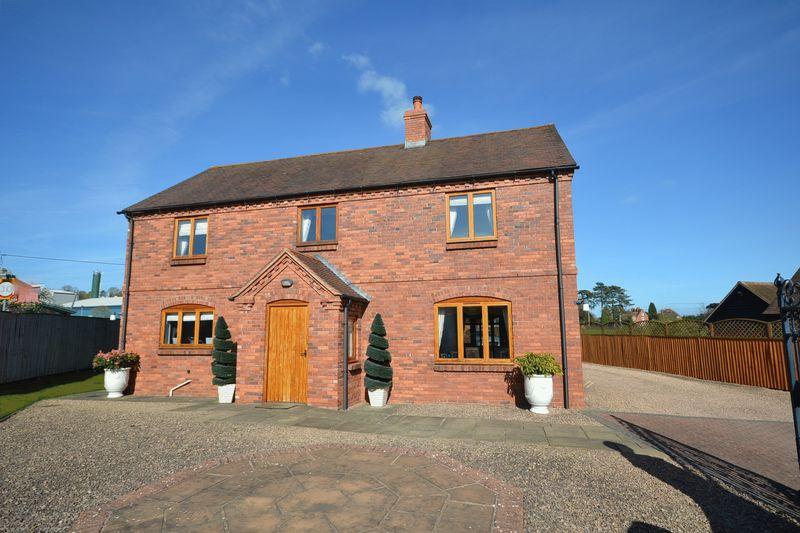 4 Bedrooms Detached House for sale in Burford , Tenbury Wells