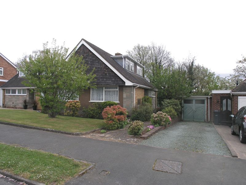 3 Bedrooms Semi Detached Bungalow for sale in WOLLASTON, Richmond Grove