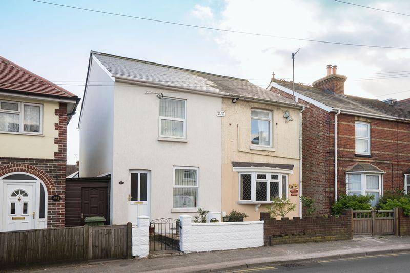 2 Bedrooms Semi Detached House for sale in High Brooms Road, Tunbridge Wells
