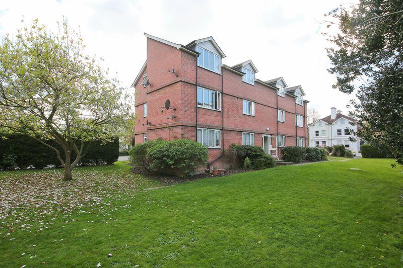 2 Bedrooms Flat for sale in Upper Grosvenor Road, Tunbridge Wells