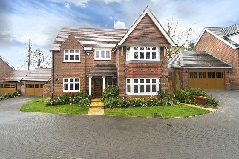 4 Bedrooms Detached House for sale in Havisham Drive, Compton Park, Wolverhampton