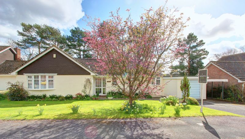3 Bedrooms Detached Bungalow for sale in West Wellow, Romsey, Hampshire