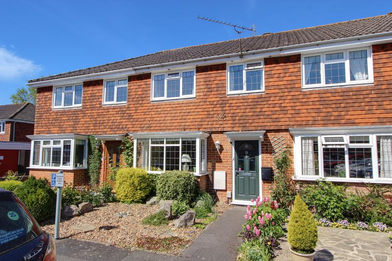 3 Bedrooms Terraced House for sale in Central Romsey, Hampshire