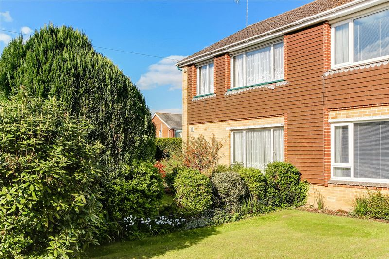 3 Bedrooms Semi Detached House for sale in Halterworth, Romsey, Hampshire