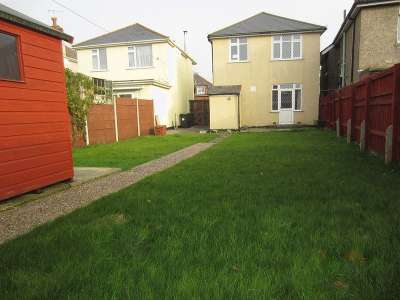 3 Bedrooms Detached House for sale in Moordown