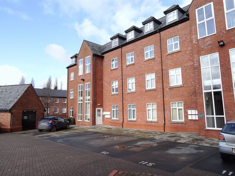 1 Bedroom Flat for sale in Eastgate, Macclesfield