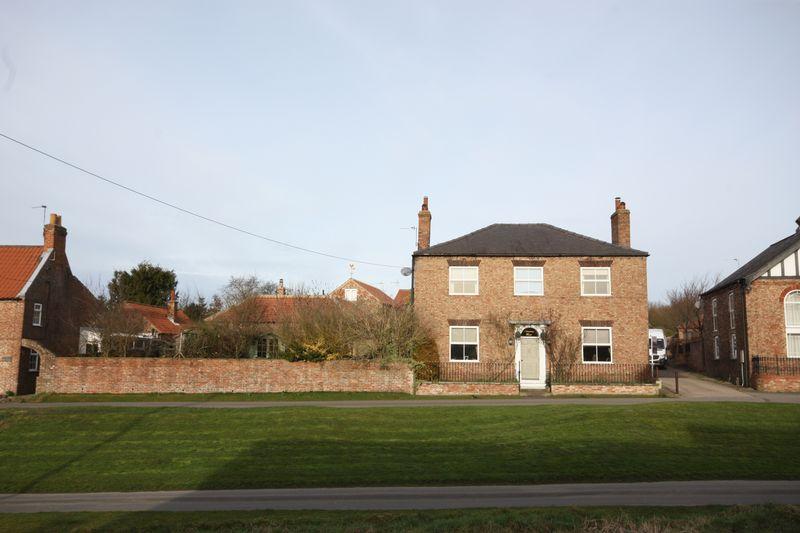 4 Bedrooms Detached House for sale in Main Street, Bishop Wilton