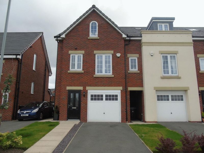 4 Bedrooms Terraced House for sale in Sandfield Crescent, Prescot