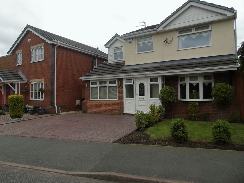 4 Bedrooms Detached House for sale in Lloyd Road, Prescot