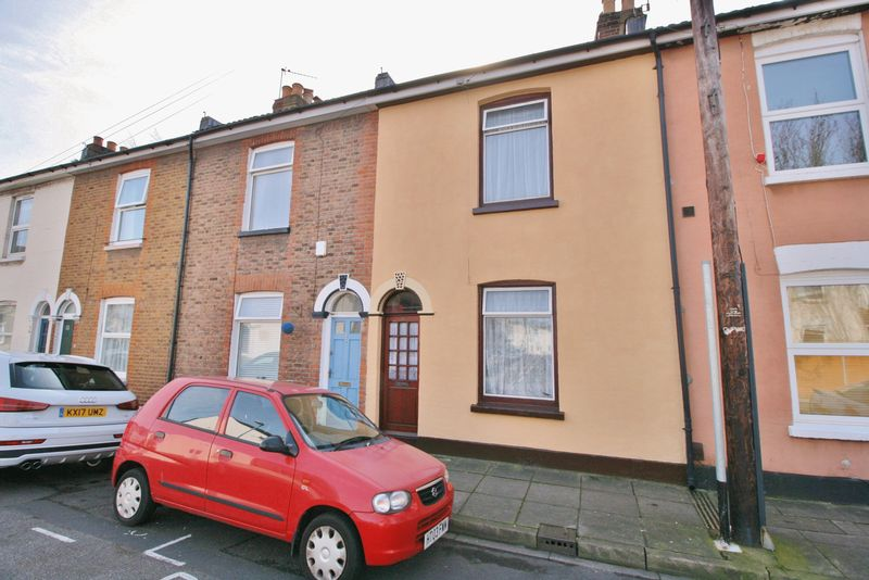 3 Bedrooms Terraced House for sale in Addison Road, Southsea