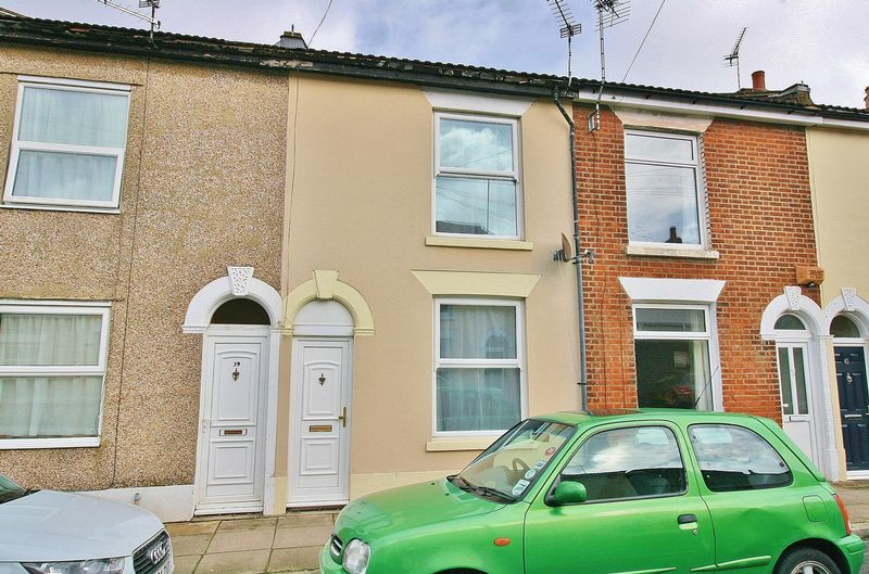 3 Bedrooms Terraced House for sale in St Vincent Road, Southsea