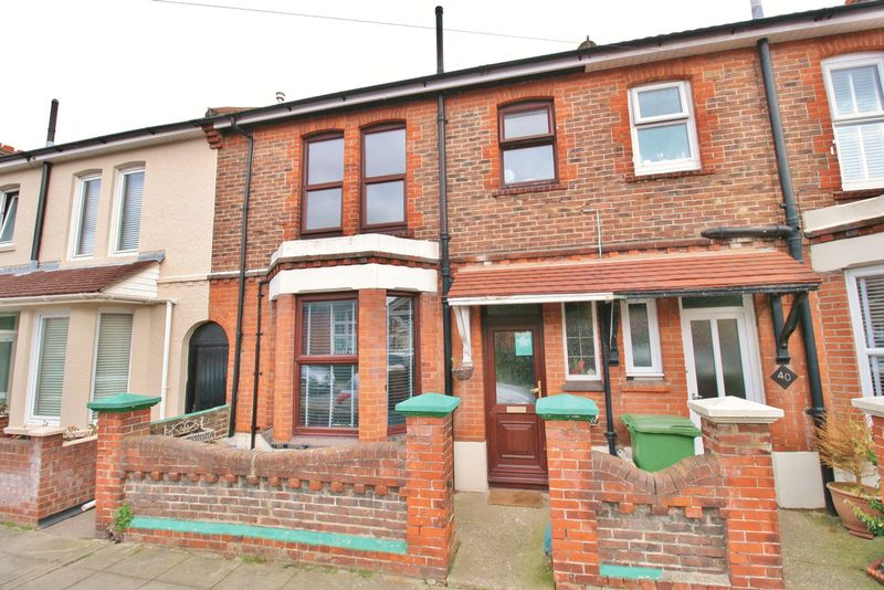 3 Bedrooms Terraced House for sale in Shelford Road, Southsea