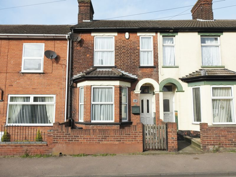 3 Bedrooms Terraced House for sale in St Peters Street, Lowestoft