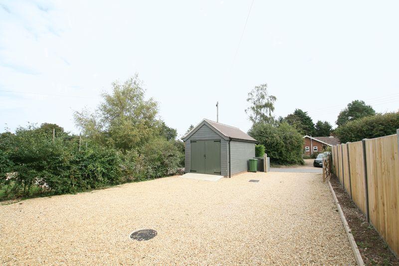 Gong Lane Burnham Overy Staithe