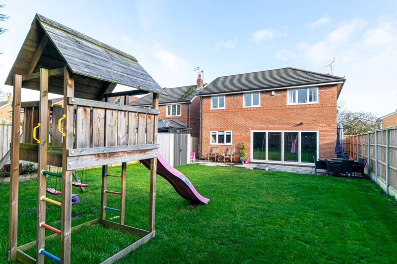 Oak Meadows Court Rainhill