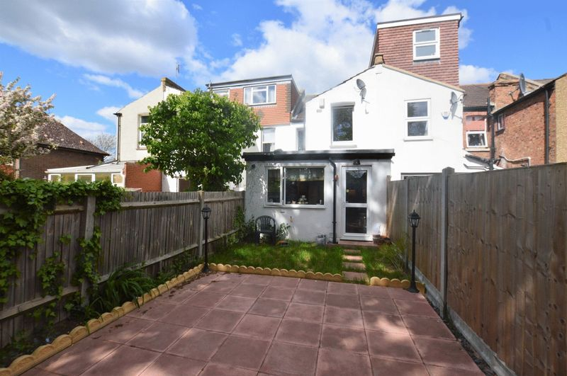 3 Bedrooms Terraced House for sale in Butler Road, Harrow