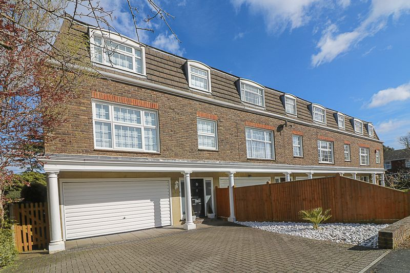 4 Bedrooms Terraced House for sale in Concord Close, Tunbridge Wells