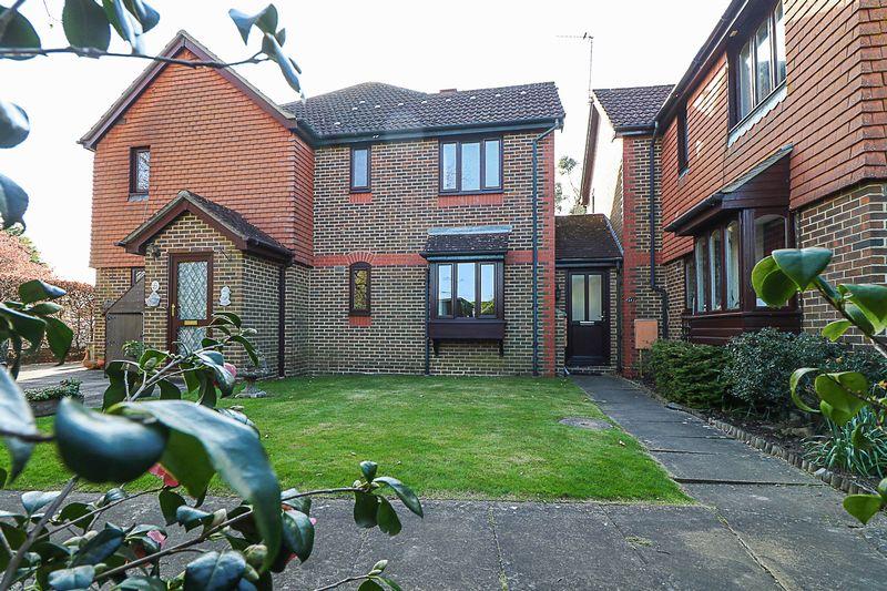 1 Bedroom Semi Detached House for sale in Hawkenbury Mead, Hawkenbury, Tunbridge Wells