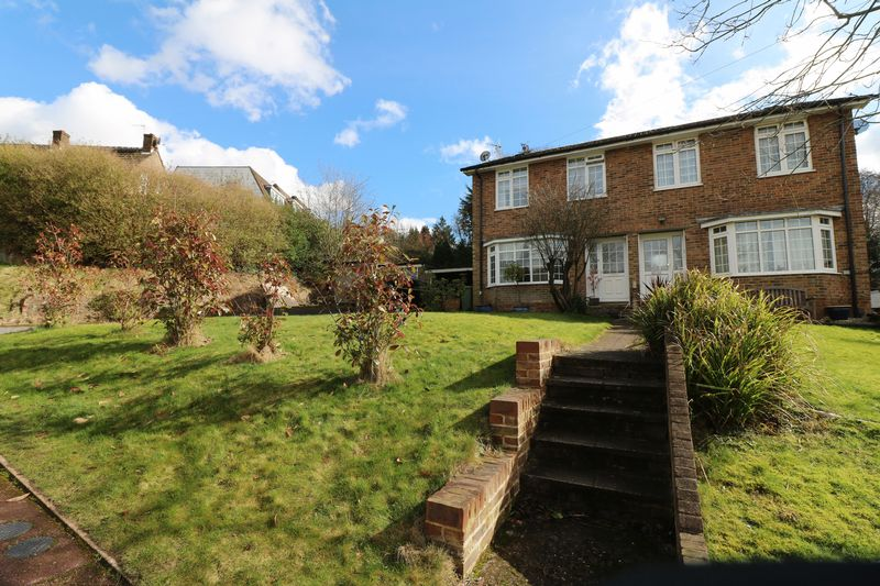 3 Bedrooms Semi Detached House for sale in Parkwood Close, Tunbridge Wells