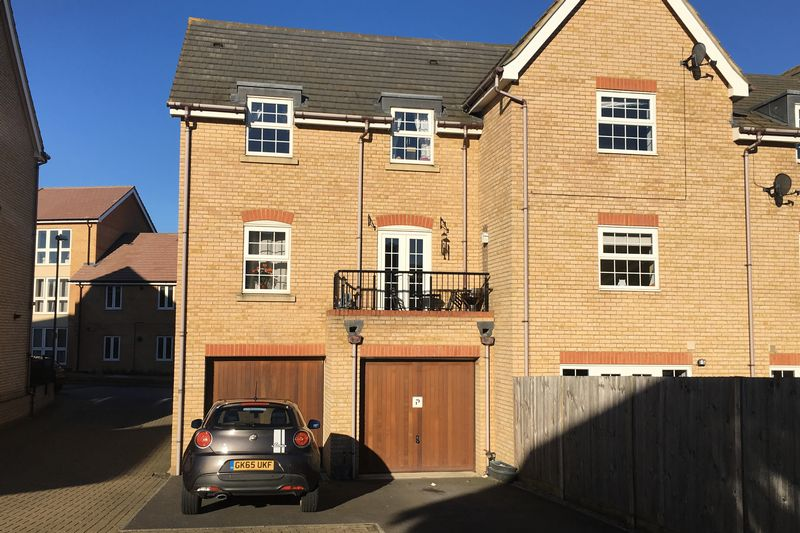 2 Bedrooms House for sale in Nettle Way, Minster on Sea