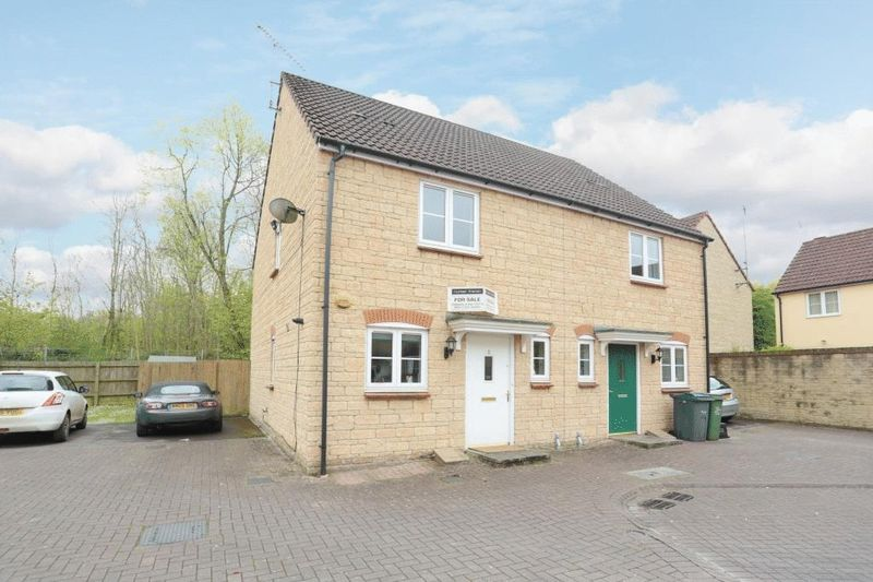 2 Bedrooms Semi Detached House for sale in Limestone Drive, Corsham