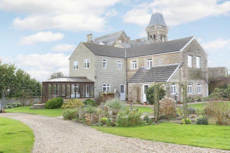 4 Bedrooms Property for sale in Chapel Knapp Gastard, Corsham