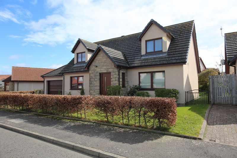 4 Bedrooms Detached House for sale in Pitcairn Drive, St. Andrews