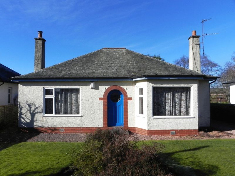 3 Bedrooms Detached Bungalow for sale in Errol Road, Dundee
